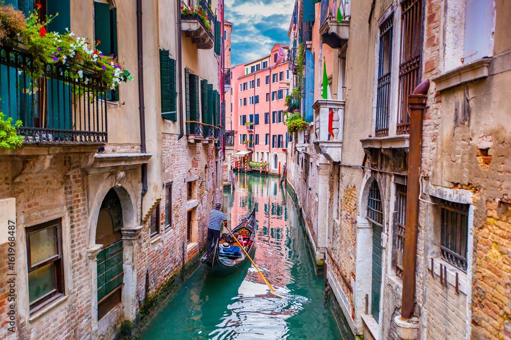 Fototapety, obrazy: Gondola in Venice, Italy