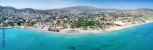 Photo Panorama des Strandes von Varkiza, Vorort von Athen, Attika, Griechenland