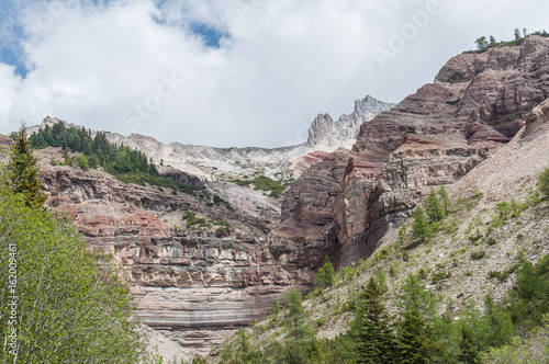 Valokuvatapetti Triassic colorful rocks in the top of Bletterbach canyon, Dolomites, Italy