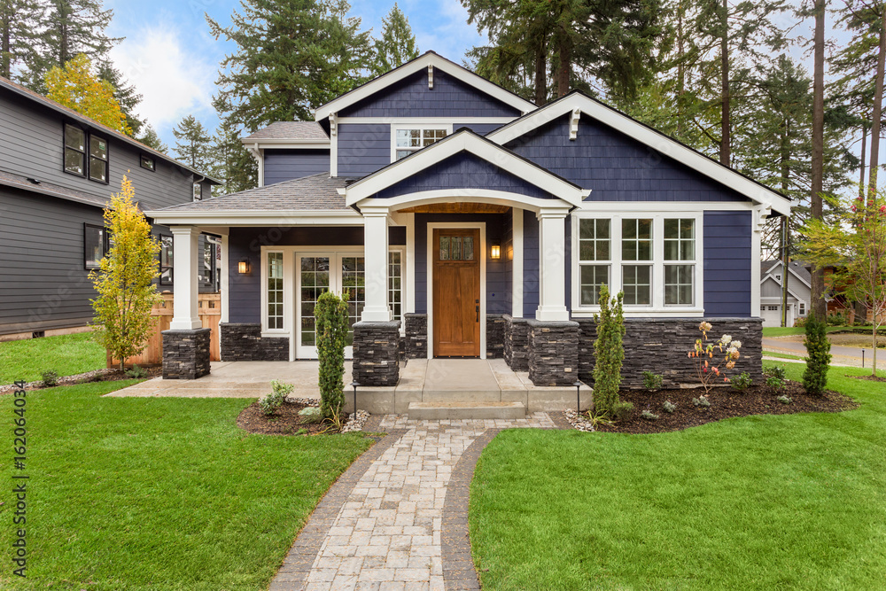 Fototapety, obrazy: Beautiful, Newly Built Luxury Home Exterior