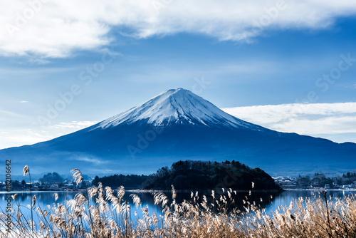 Fuji mountain with blue sky, landscape in Japan - 162106642