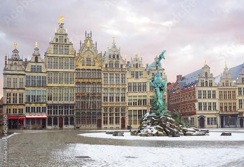 Keuken foto achterwand Antwerpen Бельгия. Антверпен. Площадь Гроте Маркт. Здания Гильдий. Фонтан Брабо.