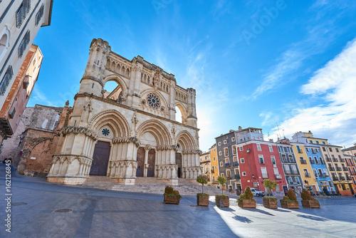 Vista de la Catedral Gótica y la Plaza Mayor de Cuenca, España