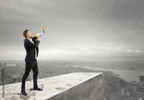 Fotografía  Authoritarian announcement to the megaphone
