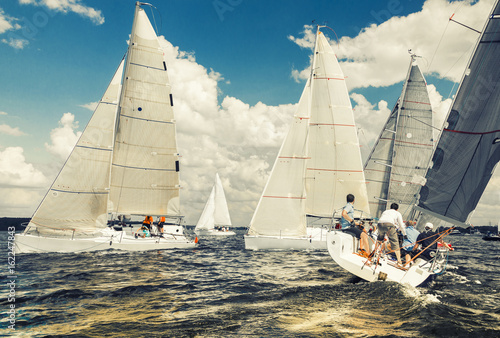 Fotografia Yachts at sailing regatta