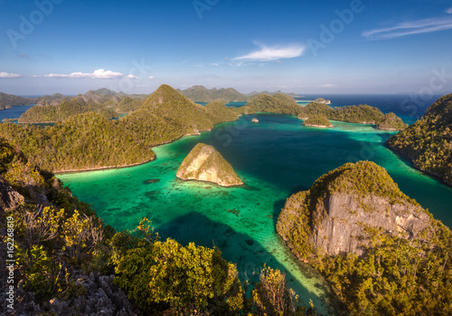 Piękny archipelag Raja Ampat (Czterej Królowie). Indonezja