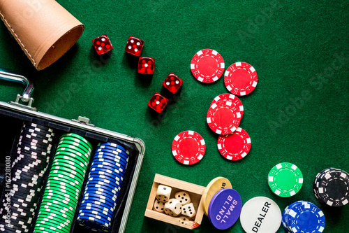 Fototapety, obrazy: Poker set in a metallic case on a green gaming table top view copyspace