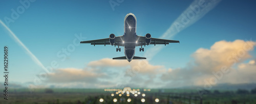 Fototapeta premium Samolot zaczyna się