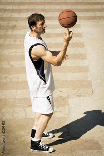 Fotografiet  playful basketball player