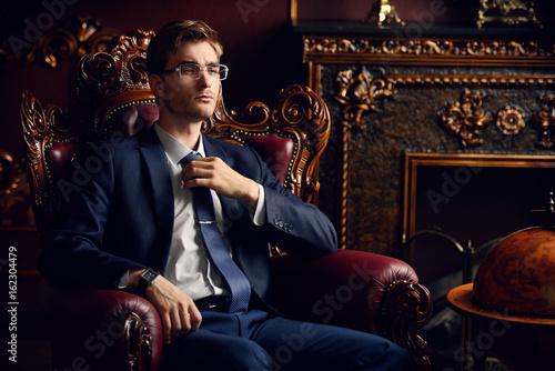 Fototapeta successful banker at home obraz