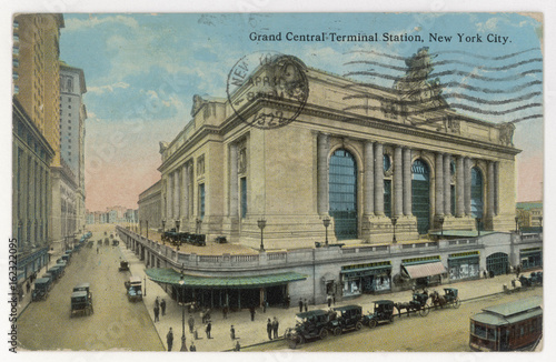 Grand Central Station. Date: 1922 Wallpaper Mural