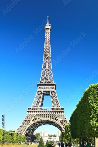 Foto op Aluminium Eiffeltoren The Beautiful Eiffel Tower in Paris, France