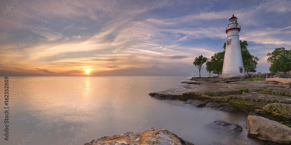 Fototapety, obrazy: Marblehead Lighthouse on Lake Erie, USA at sunrise