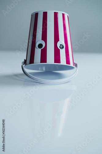 Fotografie, Obraz  bucket face
