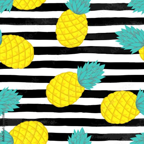 bezszwowe-tlo-z-ananasem-na-czarno-biale-paski-akwarela