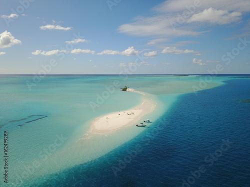 atoll calédonien province sud ile des pins, vue aérienne. Wallpaper Mural