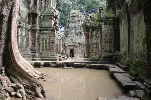In de dag Bedehuis Cambodia. Ta Phrom Temple . Siem Reap Provice.