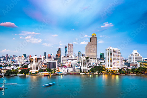Photo  Bangkok, Thailand Cityscape on the Chaophraya River.