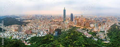 фотография  Taipei skyline aerial view at dusk