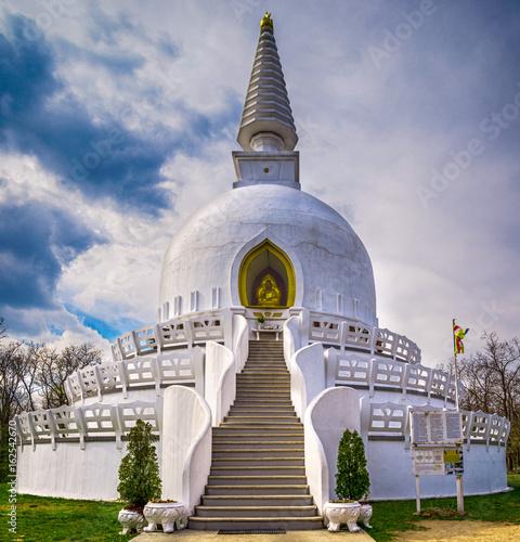 Stampa su Tela Peace Stupa in Zalaszanto, Hungary, Europe