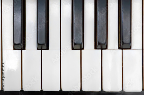 Zdjęcie XXL Antyczni pianino kości słoniowej klucze zamykają up