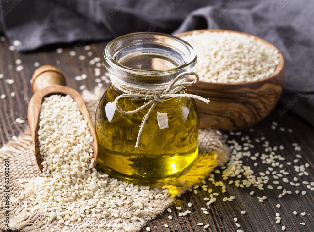 Fototapety, obrazy: Sesame oil and seeds