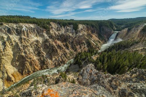 фотография  Upper Yellowstone Falls of the Grand Canyon of the Yellowstone in Yellowstone Na