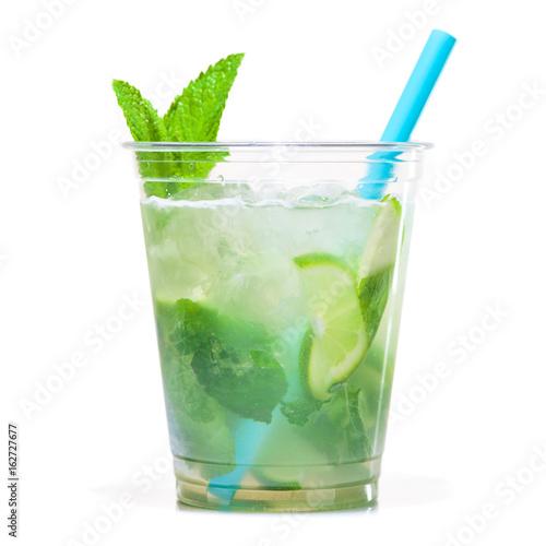 Valokuva  mojito cocktail in plastic cup