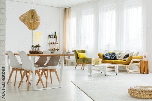 Fotografía  Bright spacious room