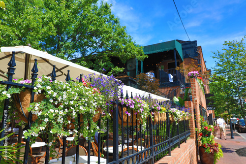 Photo Dining options abound in German Village in Columbus, Ohio