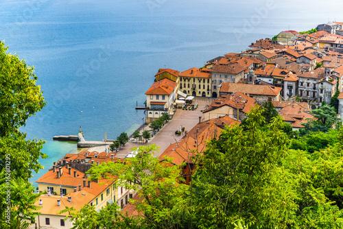 Photo Lake Maggiore, Arona, historic center, Italy