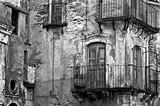 Sycylijska średniowieczna fasada - 162814481