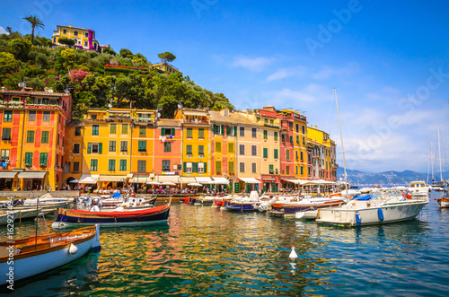 Poster Ligurie Beautiful bay with colorful houses in Portofino, Liguria, Italy