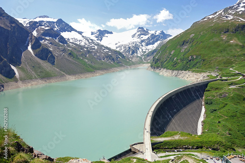 Photo sur Aluminium Barrage Der Stausee am Mooserboden