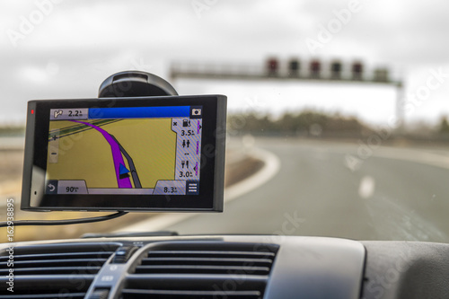 Fotografía Close-up of gps navigation system device in travelling car