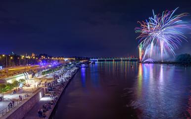 Fototapeta Warsaw Fireworks by Night - Bulwary Wiślane