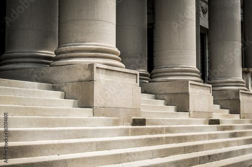 Foto op Plexiglas Trappen Classic columns and marble steps