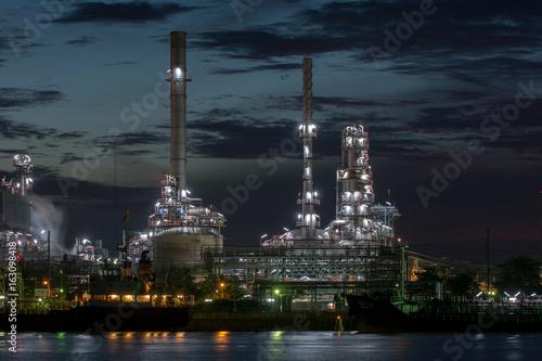 Plakat fabryka przemysłu rafinerii ropy naftowej
