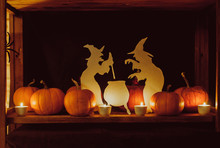 Halloween Decorations: Paper W...