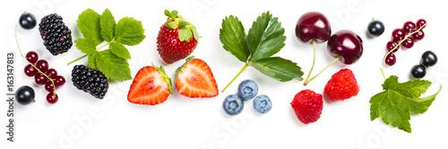 Photo Fresh berries on white background