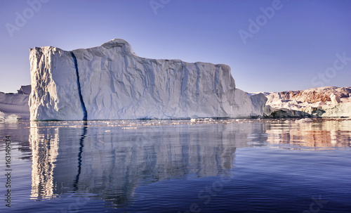 Printed kitchen splashbacks Khaki iceberg floating in greenland fjord