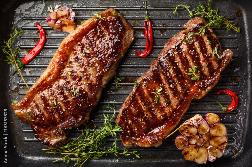 Fototapety, obrazy: Grilled  strip steak with spices