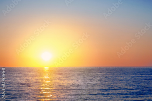 Poster Mer coucher du soleil Scenic view of beautiful sunset above the sea