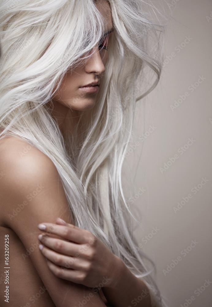 Fototapeta Pretty nude lady with a lush coiffure