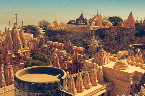 Edifice religieux Jain temple complex on top of Shatrunjaya hill. Palitana (Bhavnagar district), Gujarat, India