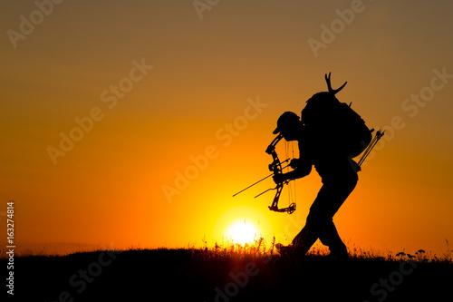 Fotobehang Jacht Silhouette of a bow hunter