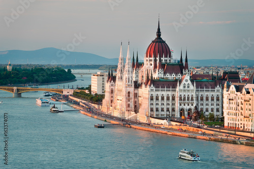 Photo Stands Eastern Europe The Beautiful Capital City of Budapest in Hungary