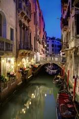 Fototapeta na wymiar Gondola on Venice Canal