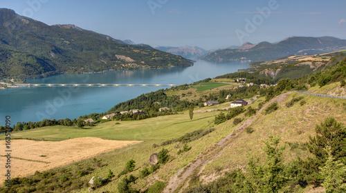 Foto op Aluminium Nachtblauw Lac de Serre-Poncon - Savines le Lac (Hautes Alpes)