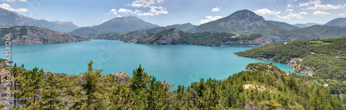 Lac de Serre-Poncon (Hautes Alpes) Fototapeta